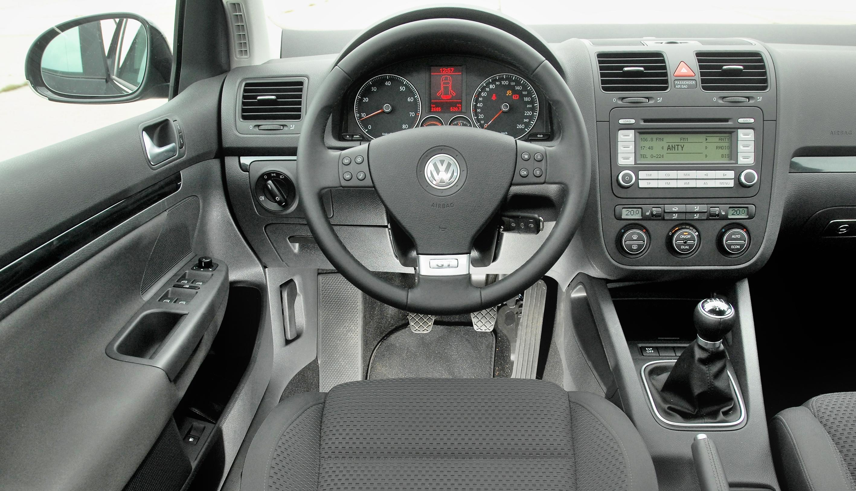 Volkswagen-Golf-V_3