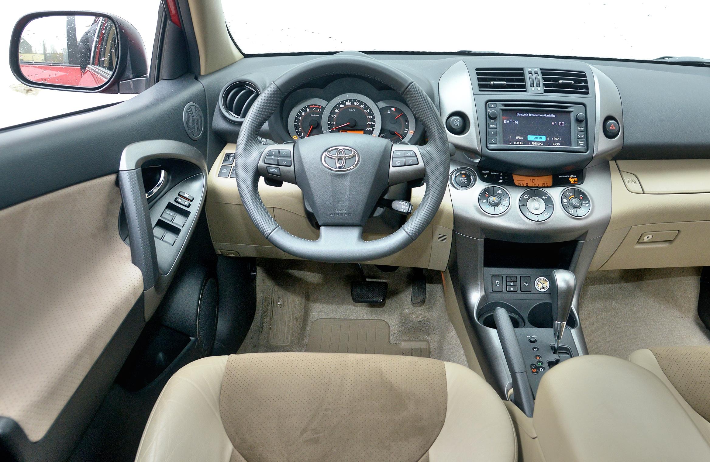 Toyota-RAV4-III_3