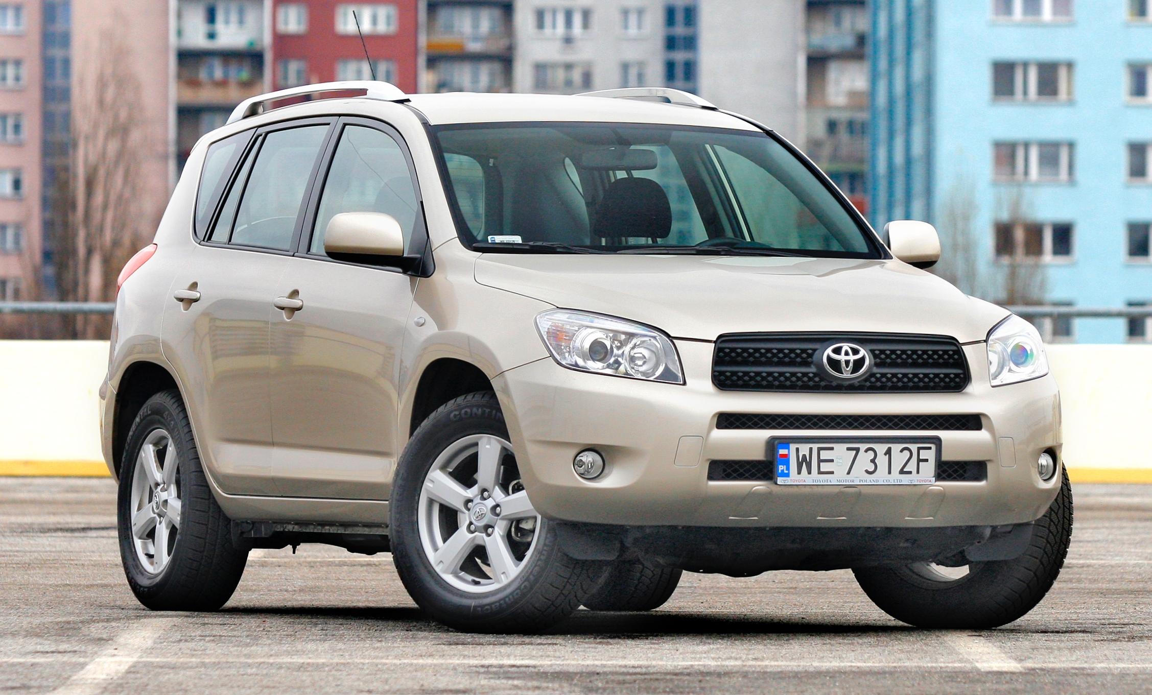 Toyota-RAV4-III_5