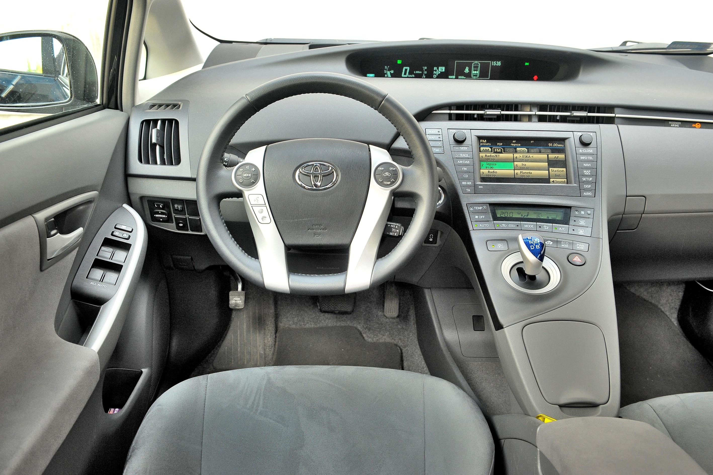 Toyota-Prius-III_3