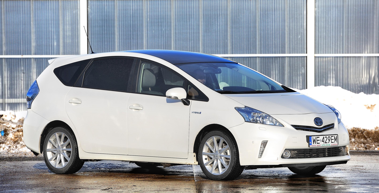 Toyota-Prius-III_7