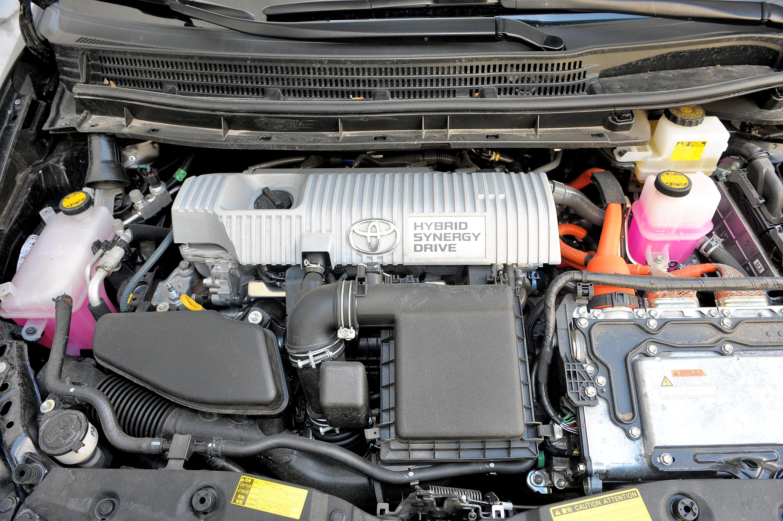 Toyota-Prius-III_4