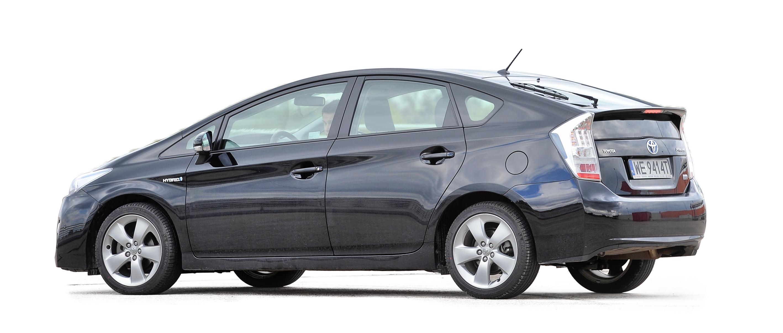 Toyota-Prius-III_2