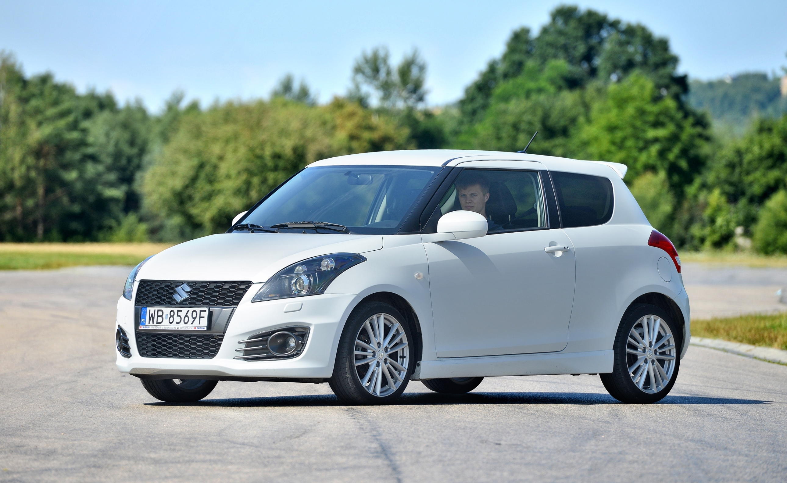 Suzuki-Swift-V_6
