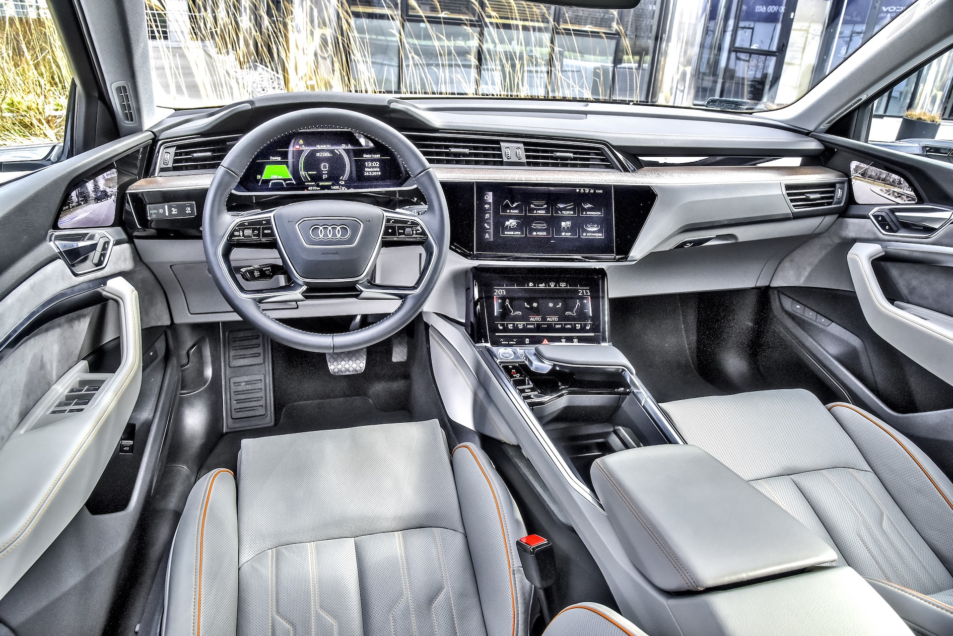 Audi_e-tron_06