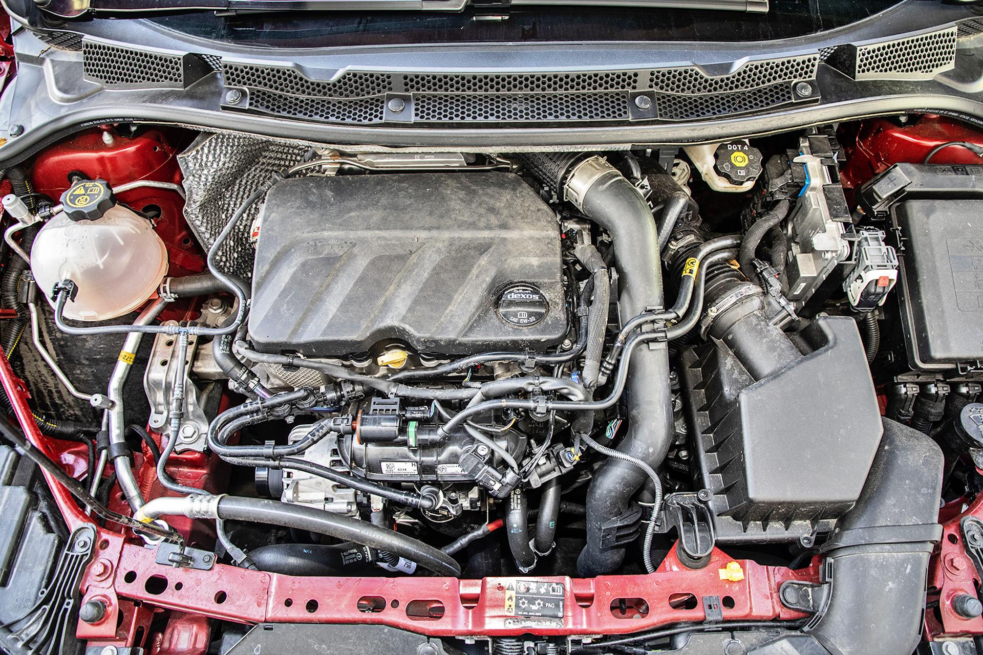 Opel Astra 1.2_Turbo_03