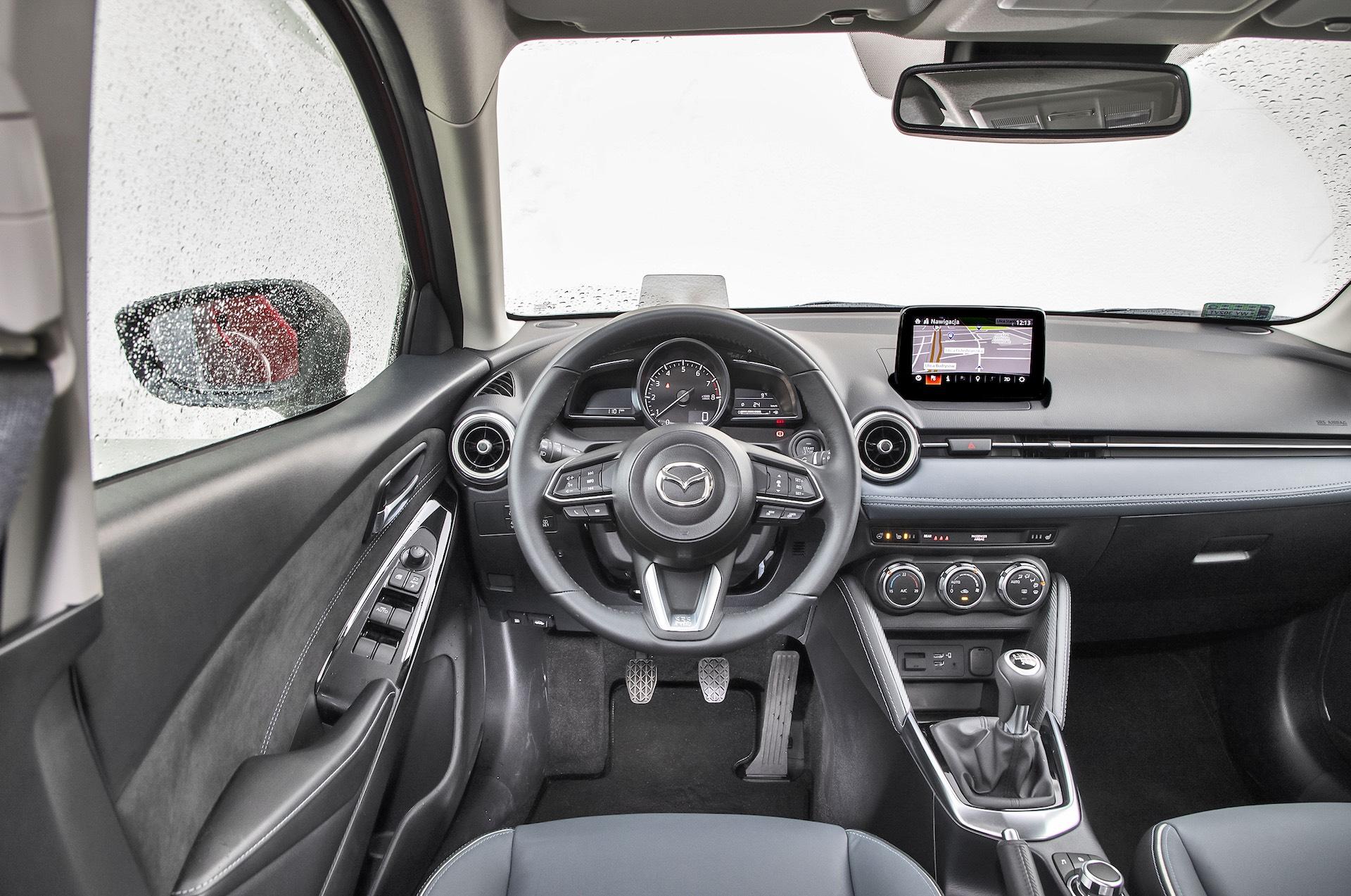 Mazda 2_01